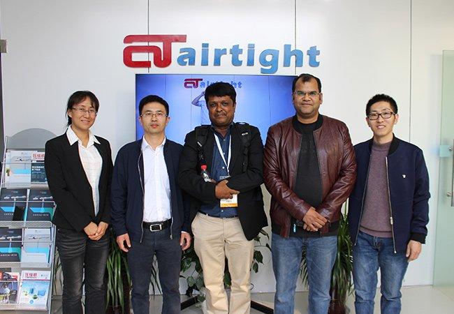 印尼客户考察Airtight管道.jpg